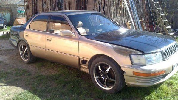 Lexus LS400 1992 - отзыв владельца