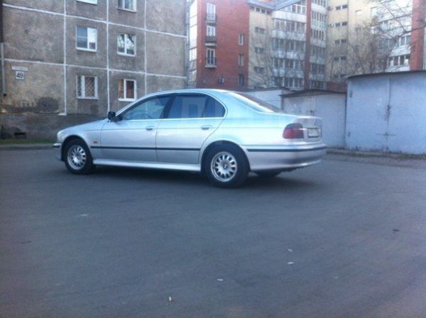BMW 5-Series, 2000 год, 345 000 руб.
