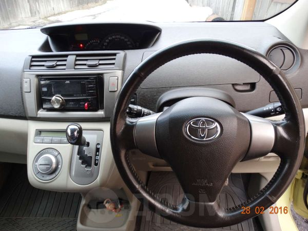 Toyota Passo Sette, 2009 год, 399 000 руб.