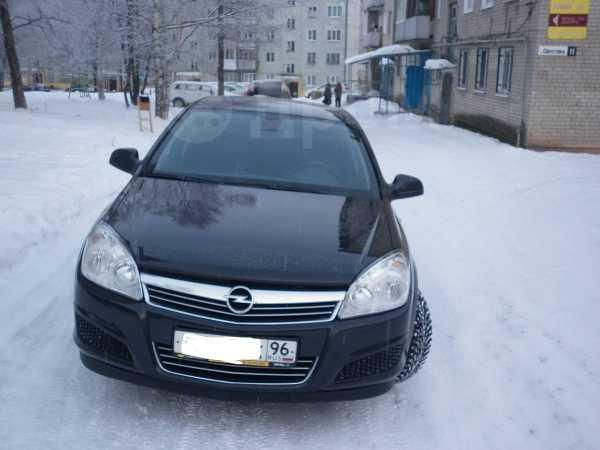 Opel Astra, 2012 год, 430 000 руб.