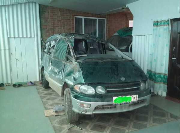 Toyota Estima Lucida, 1998 год, 70 000 руб.