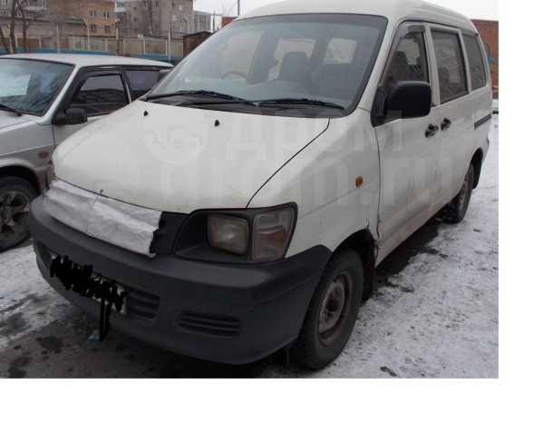 Toyota Town Ace Noah, 2000 год, 210 000 руб.