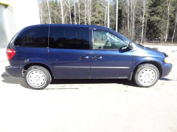 Chrysler Voyager, 2003 год, 310 000 руб.