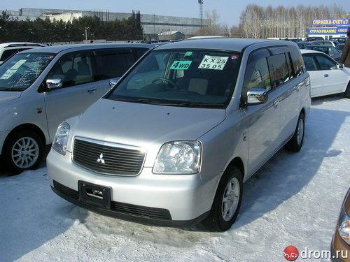 Mitsubishi Dion 2000 - 2002