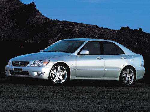 Toyota Altezza 2001 - 2005