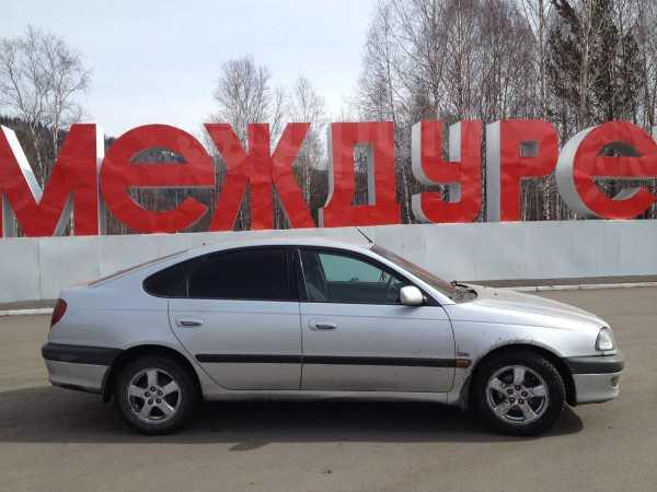 Toyota Avensis, 1998 год, 185 000 руб.
