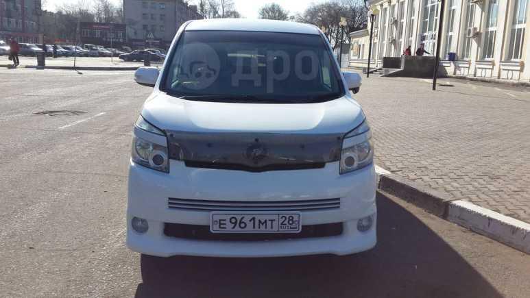 Toyota Voxy, 2007 год, 750 000 руб.