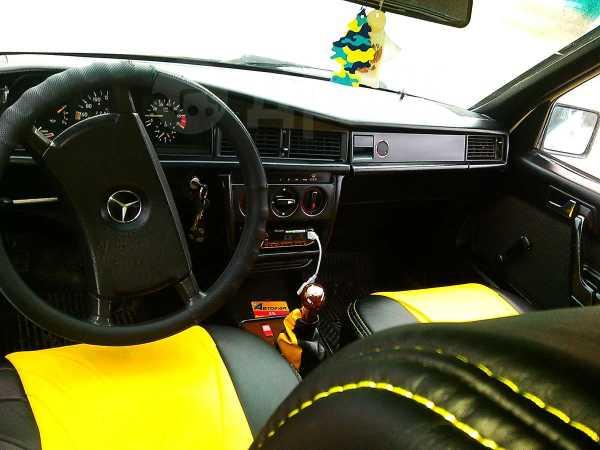 Mercedes-Benz 190, 1983 год, 90 000 руб.