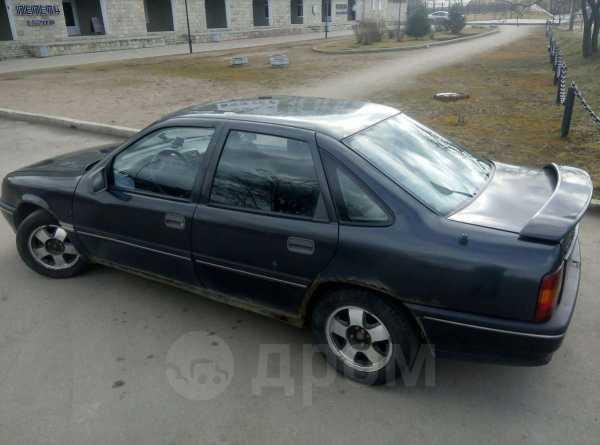 Opel Vectra, 1989 год, 42 000 руб.