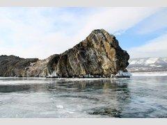 остров Замогой на озере Байкал