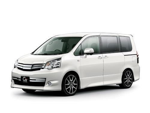Toyota Noah 2010 - 2013