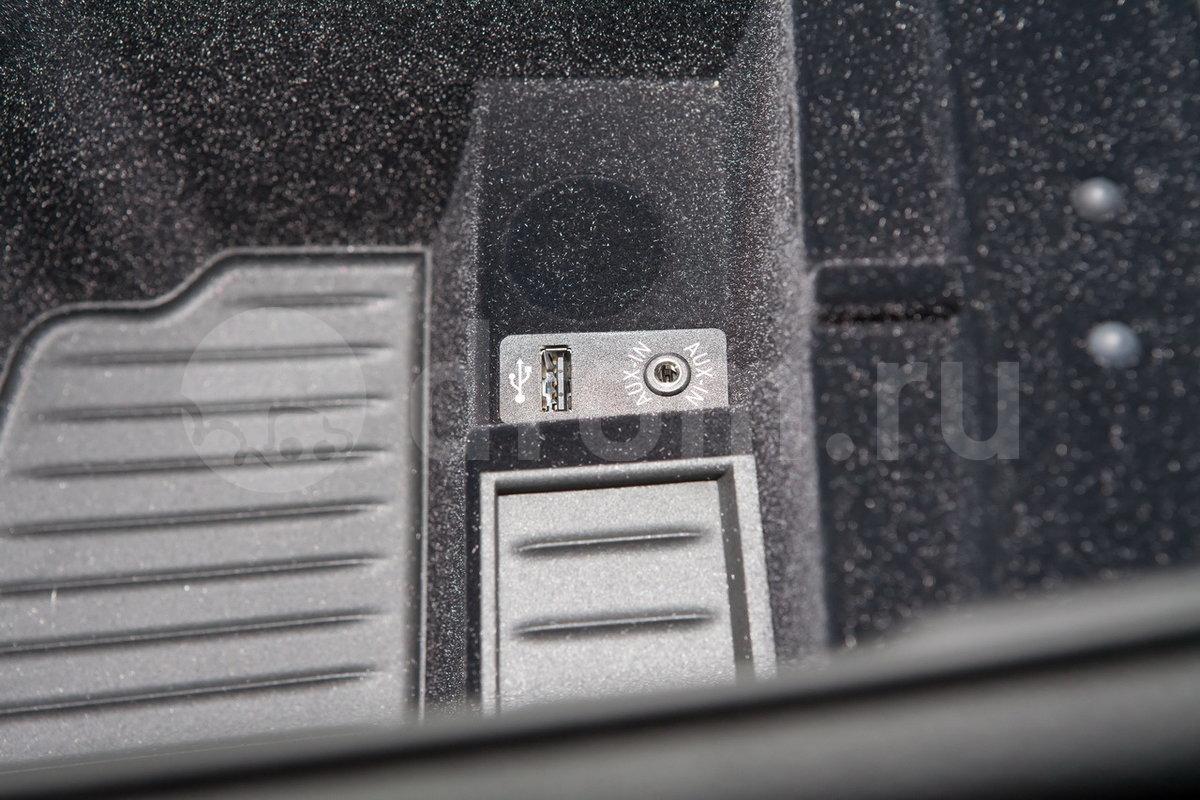 Дополнительное оборудование аудиосистемы: Аудиосистема Harman/Kardon, USB, AUX