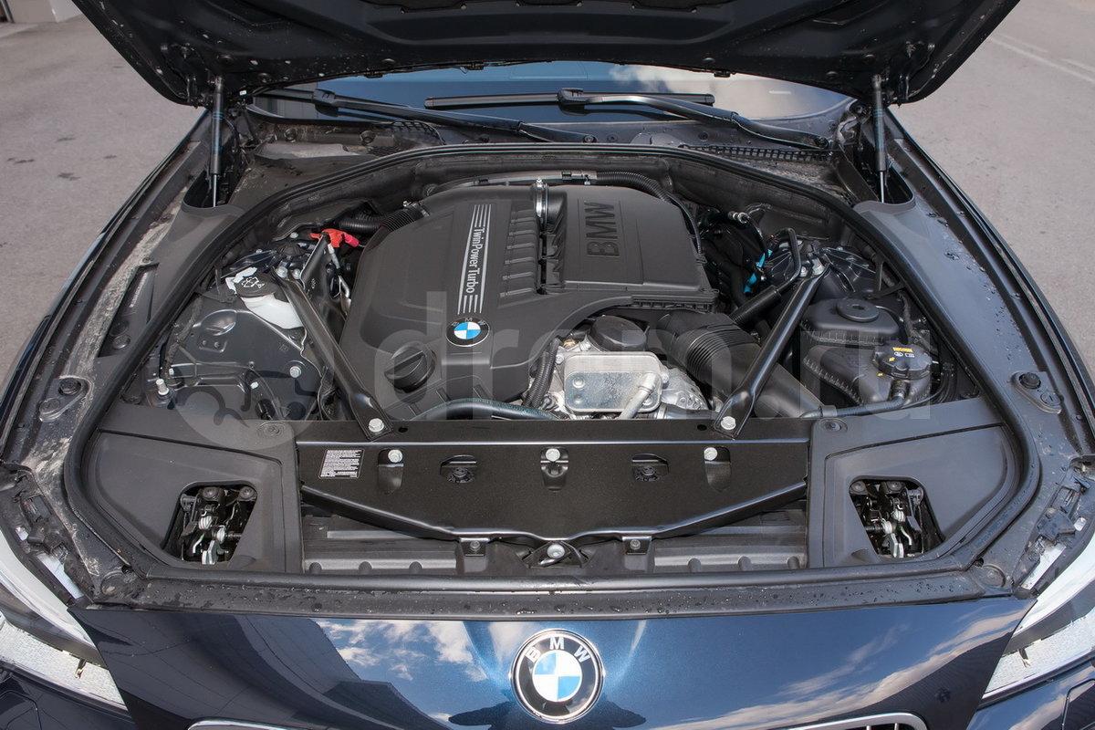 Тип двигателя: Рядный, 6-цилиндровый