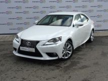 Lexus IS300h, 2013