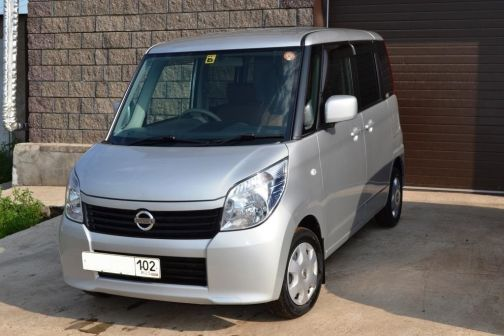 Nissan Roox 2011 - отзыв владельца