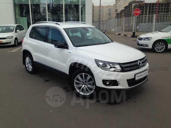 Volkswagen Tiguan, 2013 год, 1 140 000 руб.