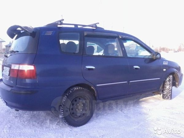 Kia Carens, 2005 год, 335 000 руб.