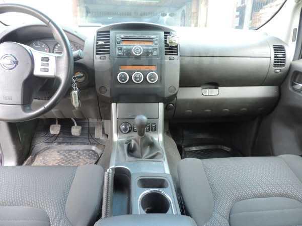 Nissan Navara, 2010 год, 1 000 000 руб.