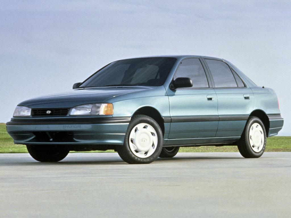 Hyundai Elantra 1990 год