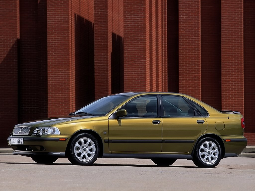 volvo s40 1.8мт и ford focus 1.8
