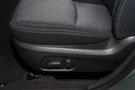 Регулировка передних сидений: Электрорегулировка сиденья водителя по 8 направлениям, ручная регулировка угла наклона спинки пассажирского сиденья