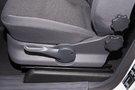 Регулировка передних сидений: механическая по высоте