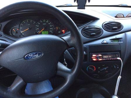 Ford Focus 2004 - отзыв владельца