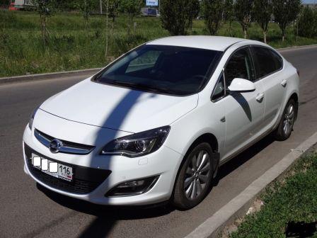 Opel Astra 2014 - отзыв владельца