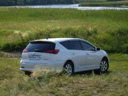 Toyota Caldina 2005 - отзыв владельца