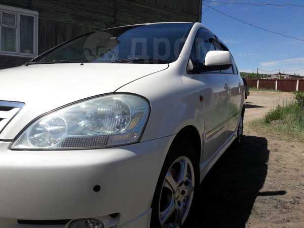 Toyota Ipsum, 2002 год, 460 000 руб.