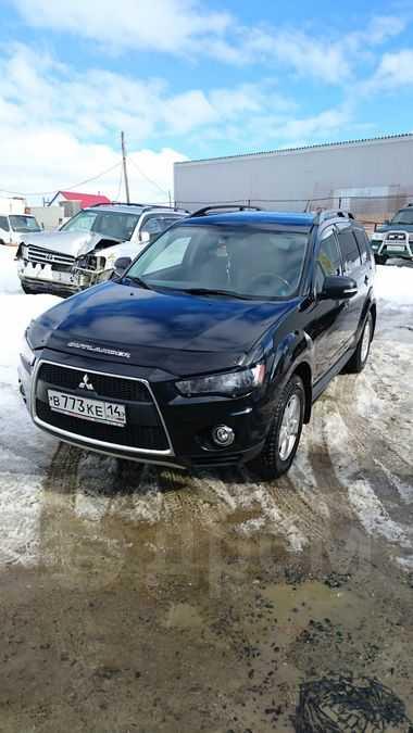 Mitsubishi Outlander, 2011 год, 850 000 руб.