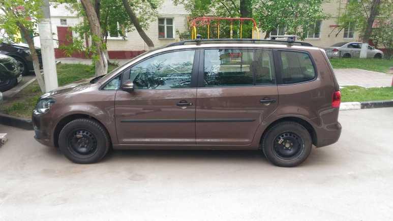 Volkswagen Touran, 2011 год, 670 000 руб.