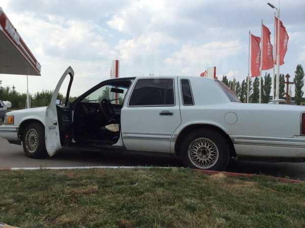 Lincoln Town Car, 1992 год, 250 000 руб.