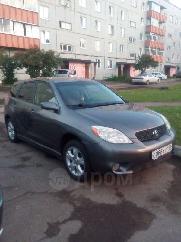 Toyota Matrix, 2004 год, 490 000 руб.
