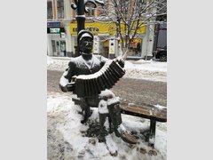 Памятник саратовской гармошке (Скульптура)