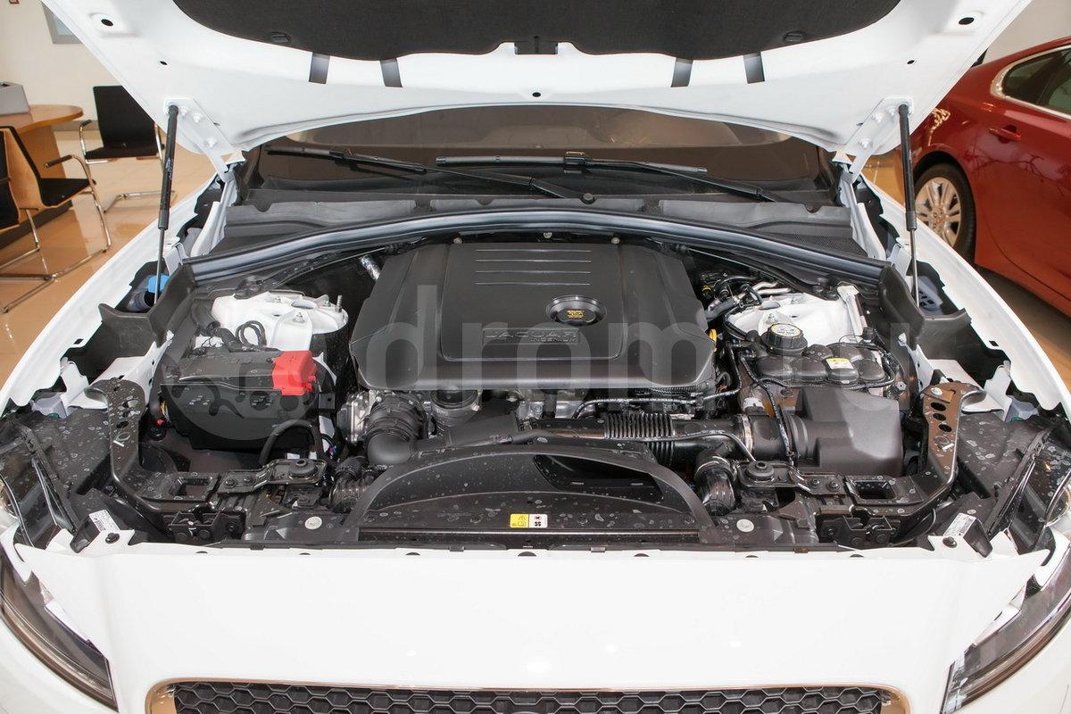Тип двигателя: 4-цилиндровый, рядный, непосредственный впрыск