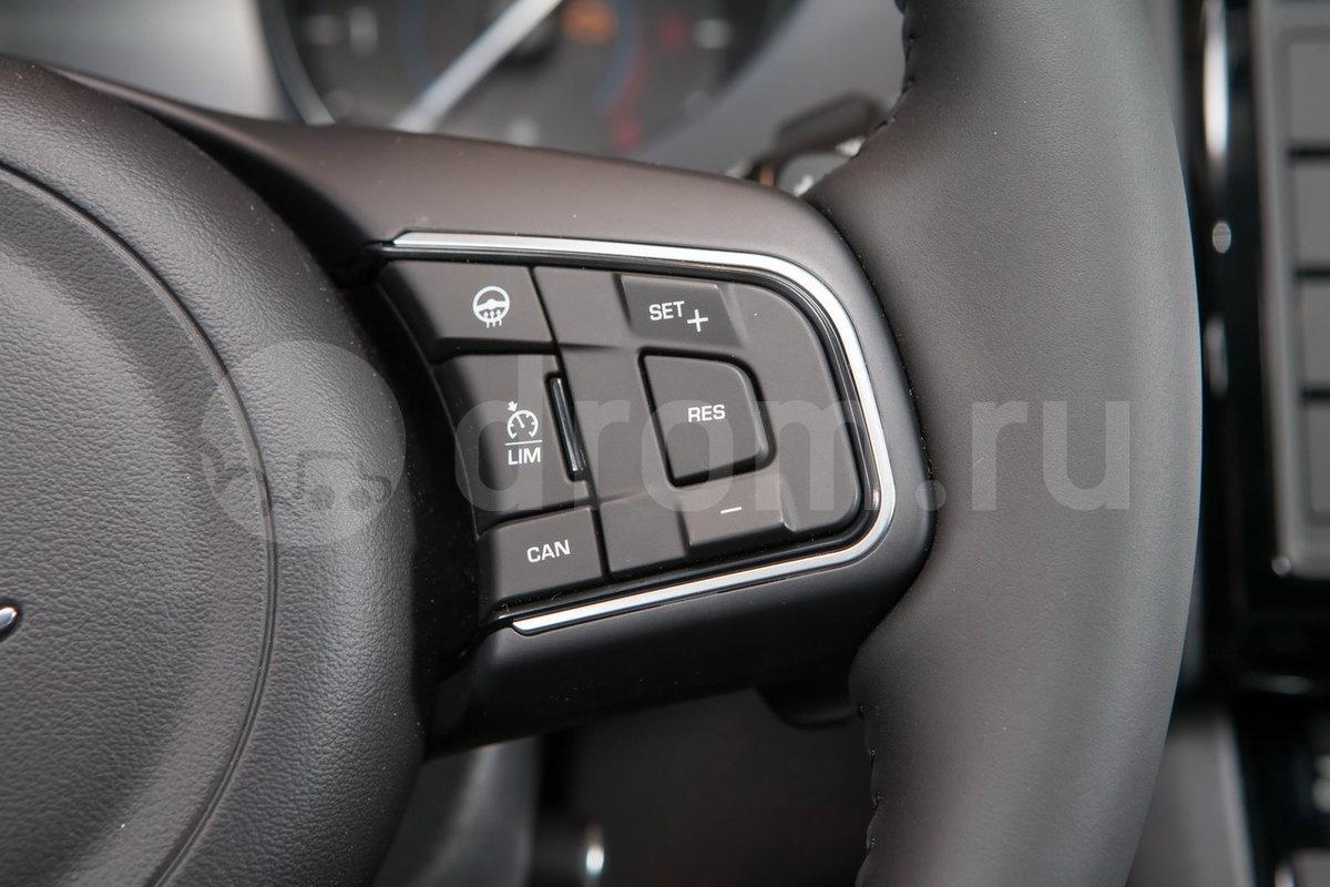 Обогрев рулевого колеса: опция