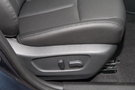 Регулировка передних сидений: Регулировка сиденья водителя в 6 направлениях, регулировка сиденья пассажира в 4 направлениях