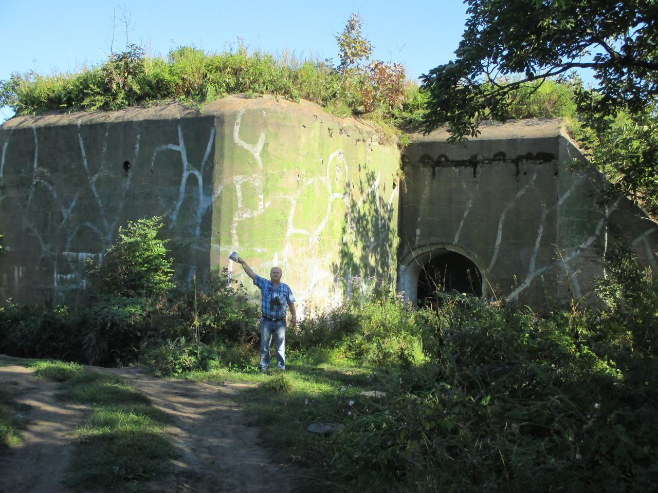 форт 11.длина почти километр.