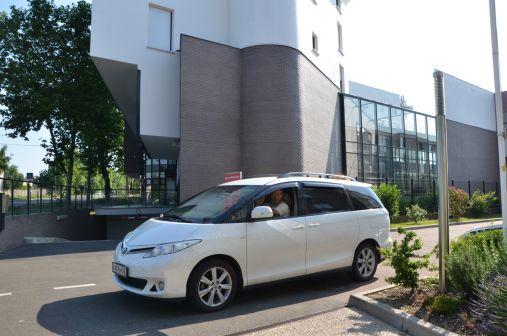 Toyota Previa 2010 - отзыв владельца