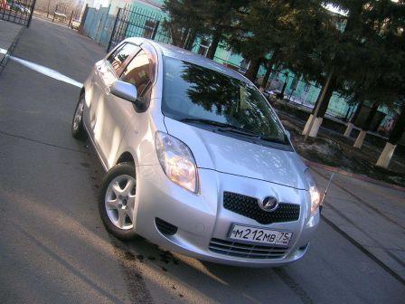 Toyota Vitz 2007 - отзыв владельца