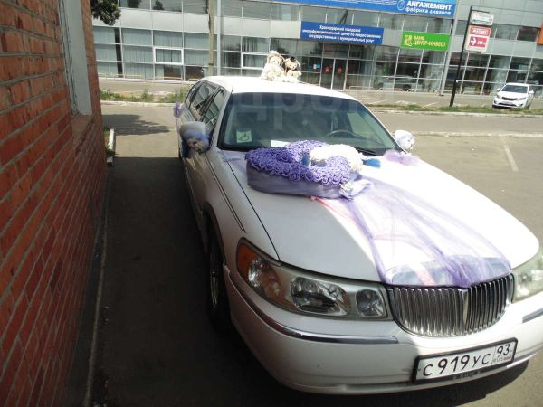Lincoln Town Car, 2000 год, 320 000 руб.