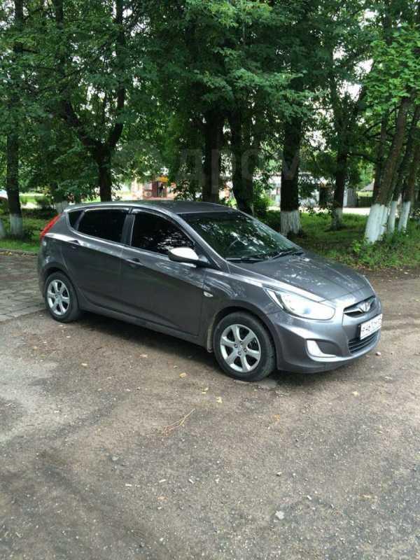 Hyundai Solaris, 2011 год, 385 000 руб.