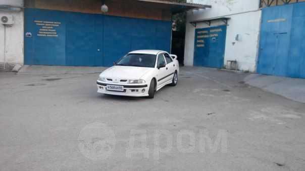 Mitsubishi Carisma, 2000 год, 285 000 руб.