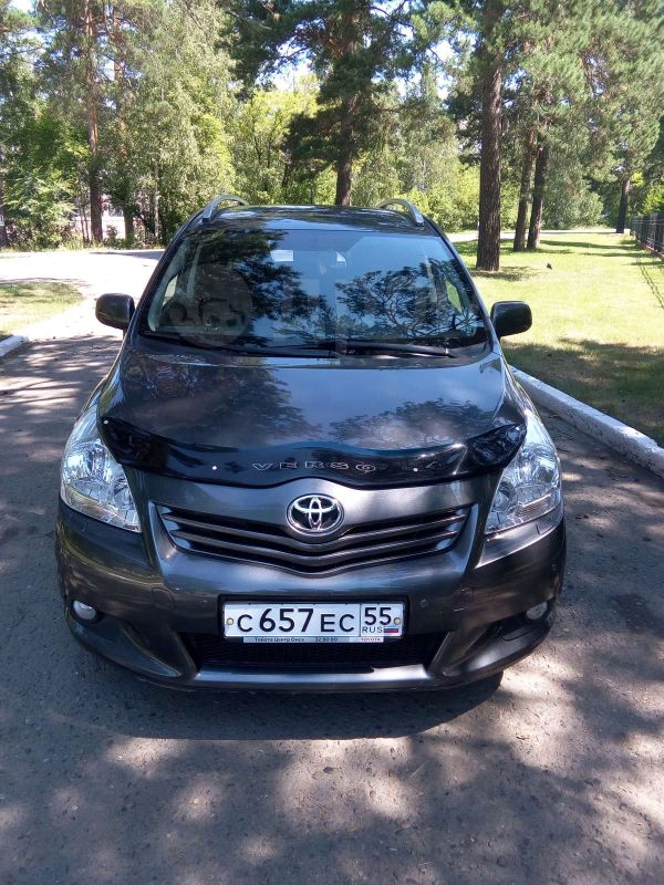 Toyota Verso, 2012 год, 830 000 руб.