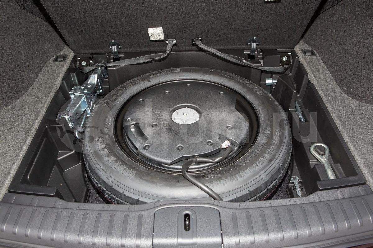 Дополнительное оборудование аудиосистемы: Двухканальная аудиосистема Hi-Fi 08IT HDD Bose, 11 динамиков, iPod/USB, авторегулировка громкости, функция объемного звучания Driver Аudio Stage