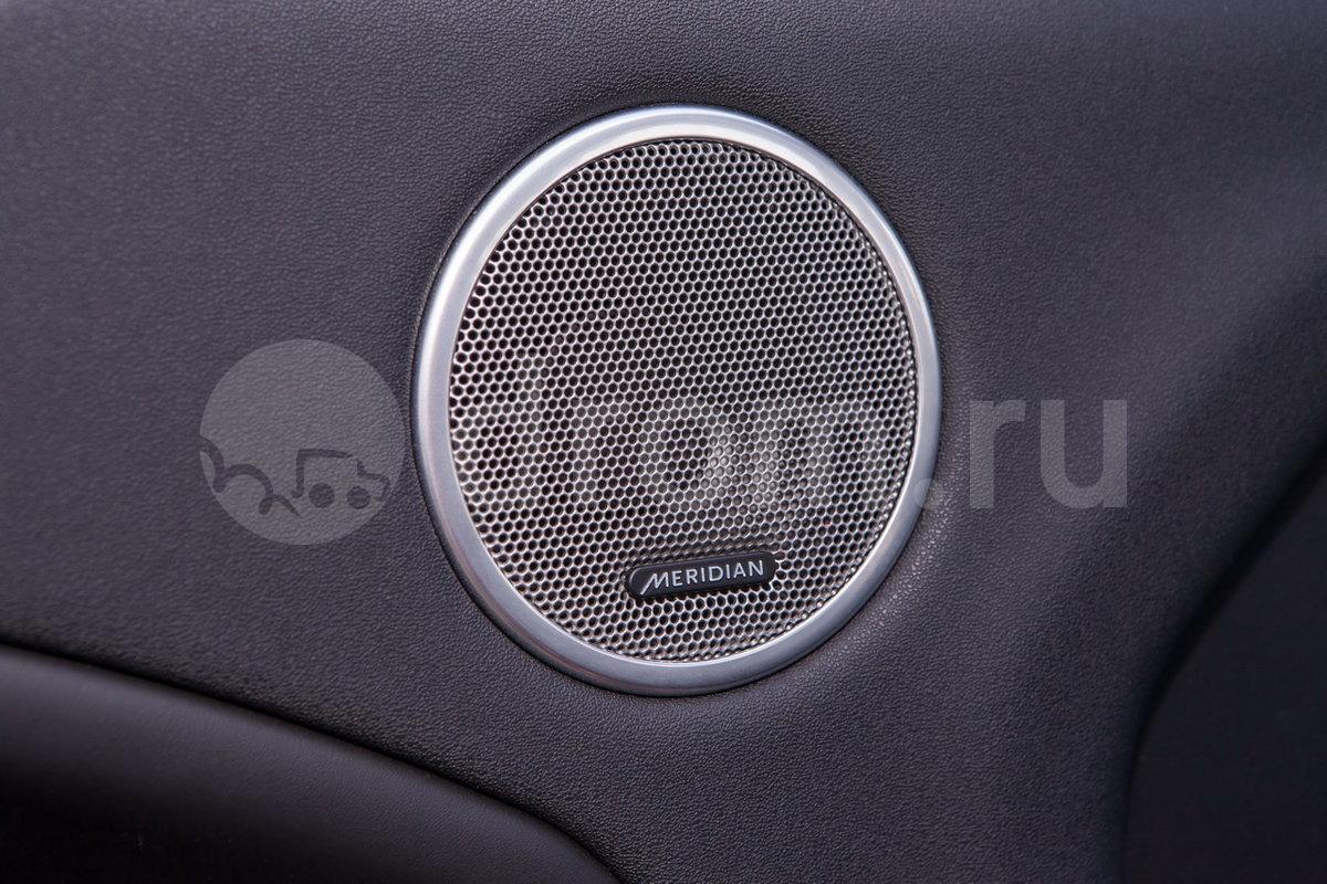 Дополнительное оборудование аудиосистемы: Аудиосистема Meridian с 11 динамиками, AUX, USB