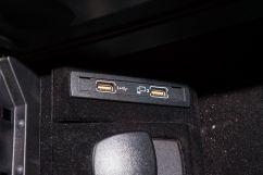Дополнительное оборудование аудиосистемы: Акустическая система Bang & Olufsen BeoSound, 12 динамиков (опция), USB