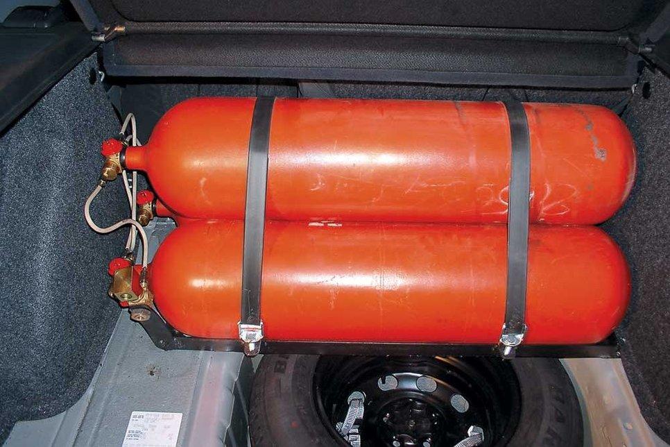 Установить газовую пружину на арест
