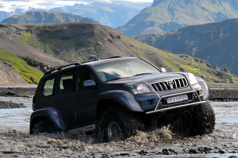 Land Cruiser V8 < Toyota < Brands < Arctic Trucks